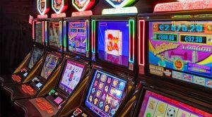 Esitelty kuva 6 asiantuntijanvinkkiä hyvän kolikkopelin valintaan ja pelaamiseen 300x166 - Esitelty-kuva-6-asiantuntijanvinkkiä-hyvän-kolikkopelin-valintaan-ja-pelaamiseen